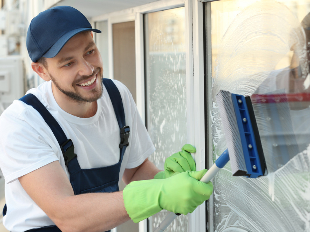 Get Sparkling Clean Windows at Your Property in Tuscaloosa, AL and surrounding areas
